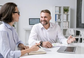 What Are The Job Roles Of A Sales Advisor?
