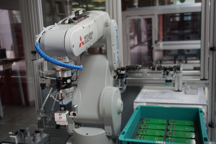 Why many Industries use Cobots